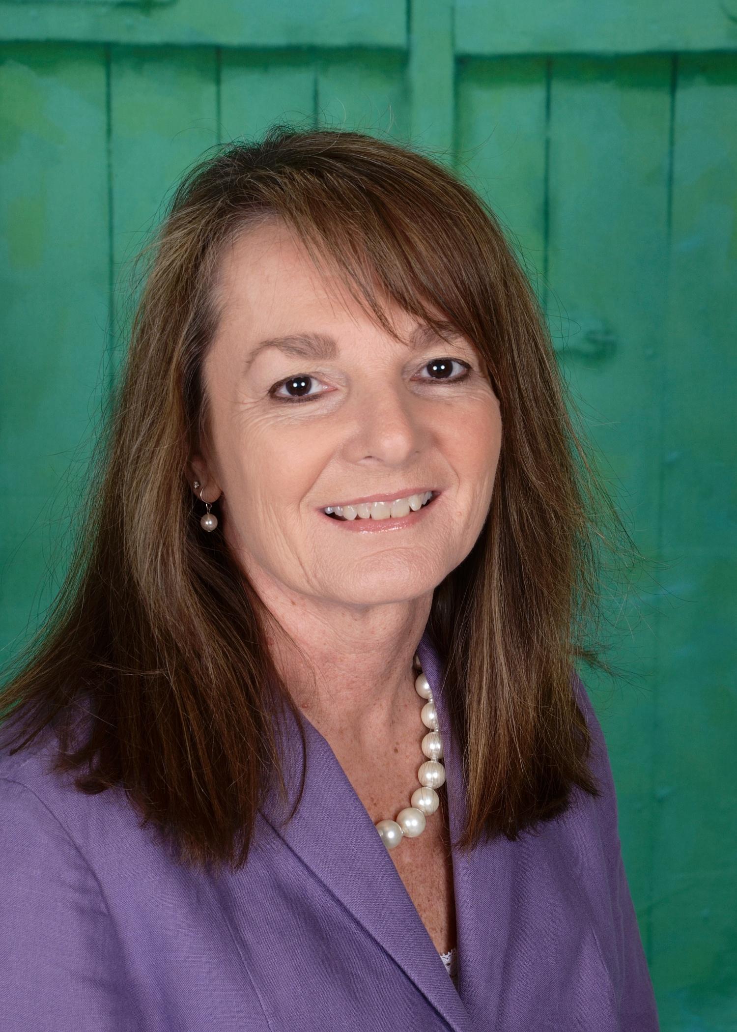 Kelly Crisci, BA : Admissions Coordinator
